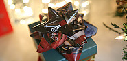 DIY paper bows like this can be made from telephone book pages. (Photo: ecokarenlee/flickr)