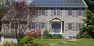 Solar panels on the roof of a house. (Photo: Justass/Wikimedia Commons)
