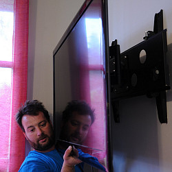 What To Know Before You Hang A Flat Screen Tv Articles
