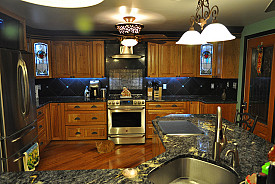 We can't all have gorgeous big kitchens! Photo: SWIMPHOTO/Flickr.com