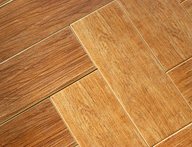 Laminate parquet flooring, such as the flooring that a Houston laminate flooring user complained was sticky after cleaning. (Photo: Kriss Szkurlatowski/sxc.hu)