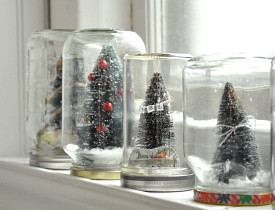 DIY diorama snow globes and photo by Jennifer Rizzo via JenniferRizzo.com.