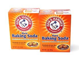 Photo of two boxes of baking soda by NoDerog/istockphoto.com.