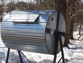This is a rotating drum composter, which is recommended for home composting by the professors we interviewed. (Photo: suezoo/morguefile.com)