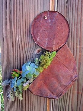 A rather brilliant tin can succulent planter. Photo: Irene G./Hometalk