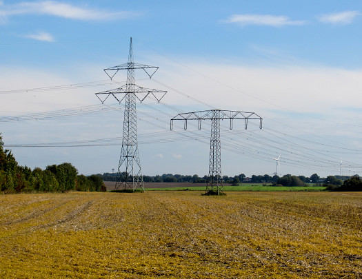 Photo of high voltage electrical lines by Ayla87/sxc.hu.