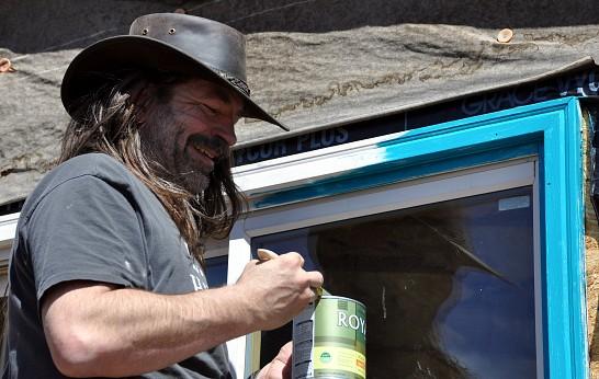 Action shot of Denver carpenter Kevin Stevens by Kevin Stevens for Networx.