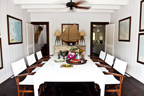 The dining room of the guest house on Harbour Island. Photo via Hibiscusharbourisland.com.