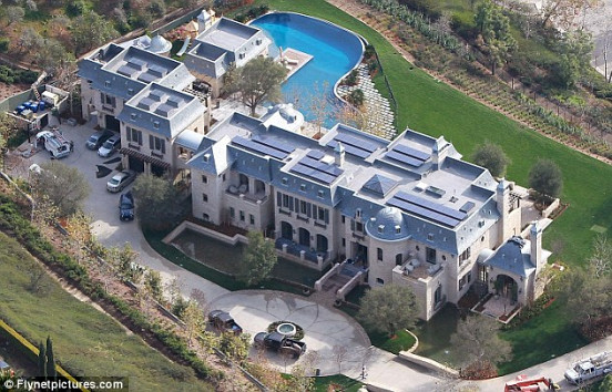 Tom Brady's house. Flynetpictures.com via DailyMail.co.uk